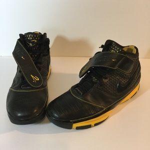 Nike Zoom Kobe II Size US 14 Yellow Black GUC